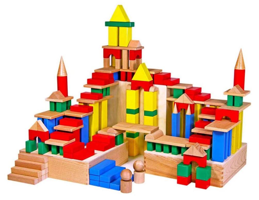 Сын. Замок из кубиков